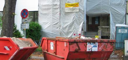 Baucontainer-Aufstellung